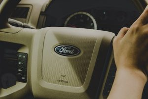 Picture of Ford steering wheel